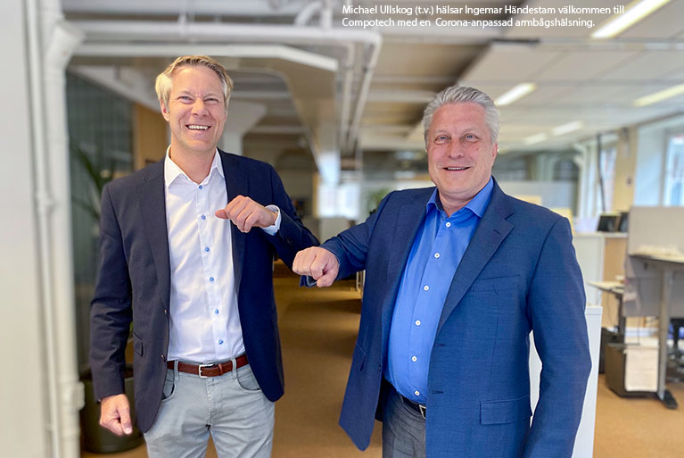 Michael Ullskog (t.v.) hälsar Ingemar Händestam välkommen till Compotech med en Corona-anpassad armbågshälsning.